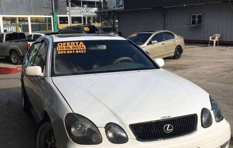 TOYOTA LEXUS GS300 año 2000, automatico, aros,gasolina, electrico, aire, color blanco, $275 mil,